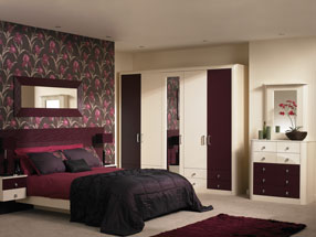 Venice Bedroom in Riven Blackberry & HG Cream