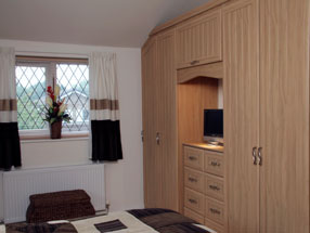 Mitred with T&G Type 2 Bedroom in Stilo Walnut