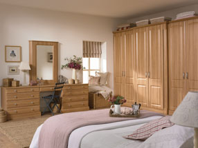Verona Bedroom in Natural Rosewood