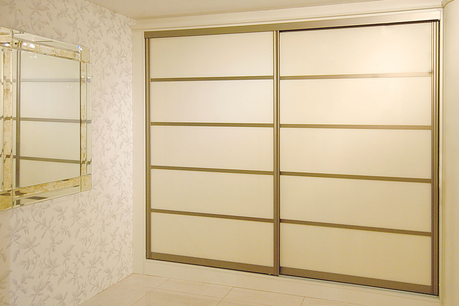 Gentil Pearl White Glass Sliding Doors
