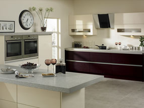Venice Kitchen in Riven Blackberry & HG Cream